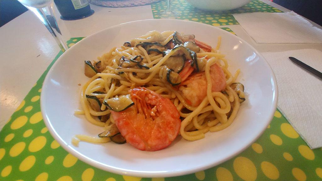 Pasta con Gamberoni e Zucchine